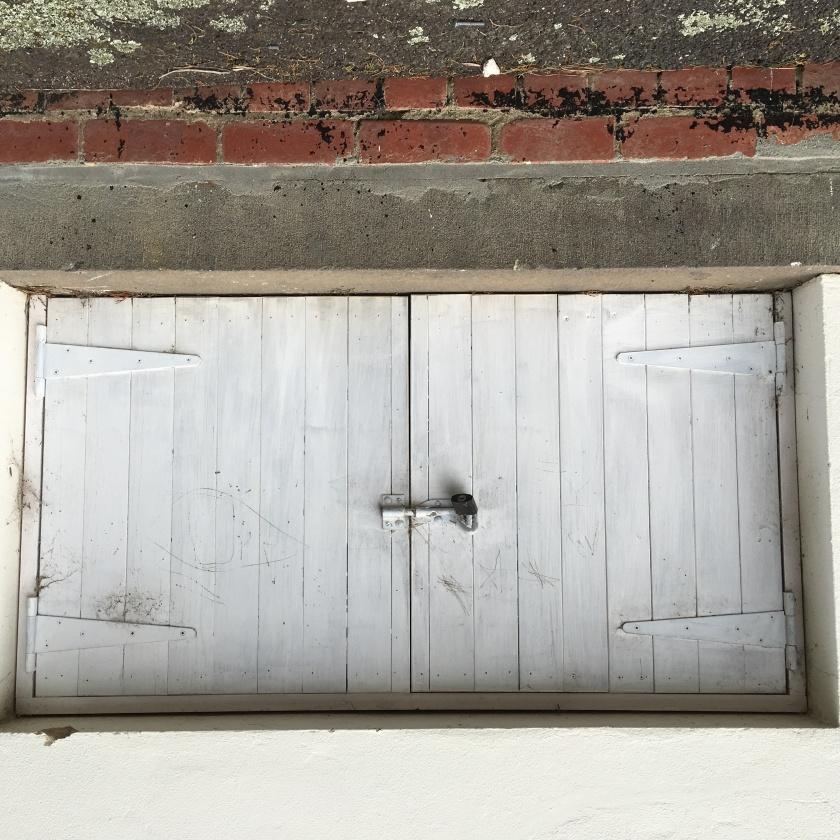 trap-door